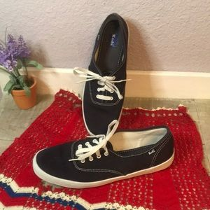 Must Have Womens Navy Keds Sneakers- 9.5